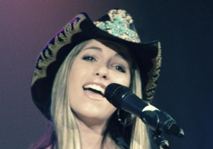 Country singer with hat